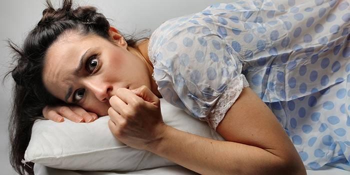 Ознаки шизофренії у жінок і перші симптоми хвороби в поведінці