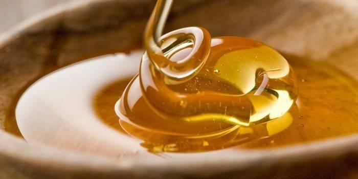 Мед при геморої - як лікувати внутрішній і зовнішній за народними рецептами, способи і схеми використання