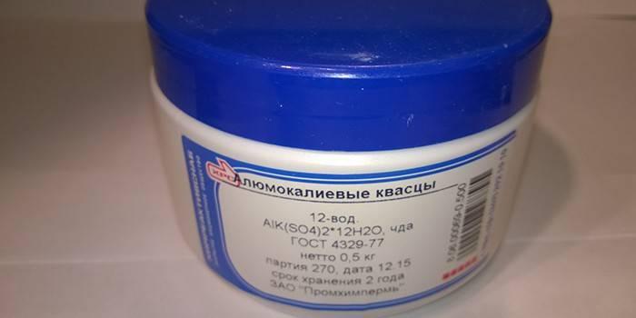 Алюмокалиевые галун - як застосовуються в медицині і для захисту від поту, користь і вартість в аптеці