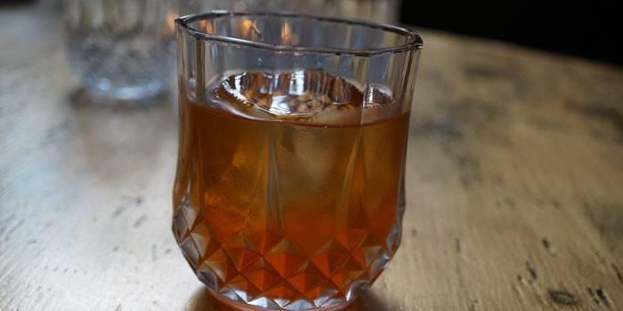 Настоянка на кедрових горішках на горілки, спирту чи самогоні - рецепти, корисні властивості та застосування