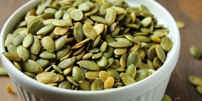 Гарбузове насіння - користь і шкоду для організму, властивості і лікування для чоловіків і жінок