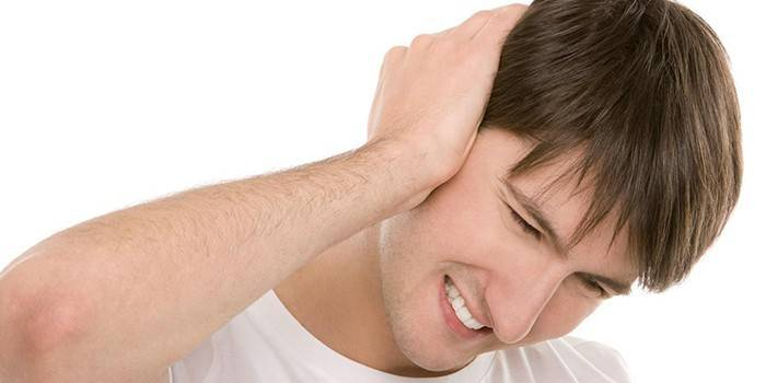 Гній у вусі - прояви гострого отиту, як лікувати у дітей і дорослих
