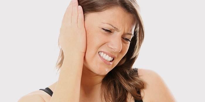 Закладеність вуха без болю - причини і лікування, відео