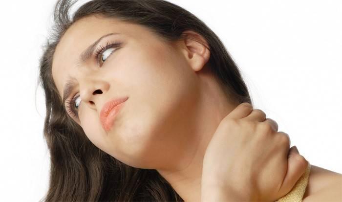 Болить шия з лівого боку: причини і що робити для лікування