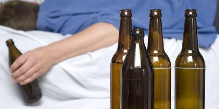 Отруєння алкоголем - що робити в домашніх умовах, ознаки і симптоми інтоксикації, перша допомога