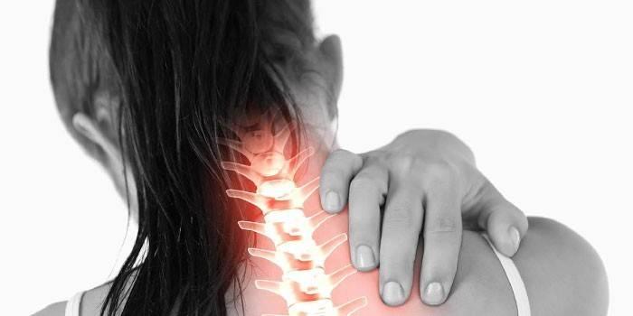 Блокада при остеохондрозі - що це таке: види, застосування препаратів, як діє і проводиться процедура для зняття болю