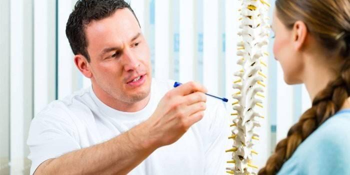 Вправи при грудному остеохондрозі: комплекс лікувальної гімнастики для зміцнення м'язів і поліпшення дихання