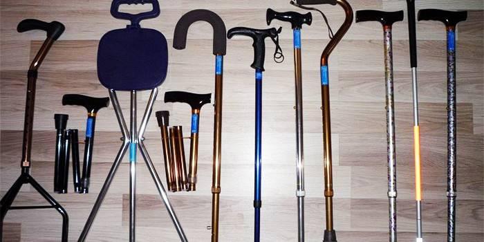Тростина для ходьби - подарункова та телескопічна, як підібрати для літніх людей та інвалідів