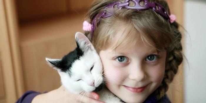 Мазь від рожевого лишаю у дитини і дорослого, назви засобів для лікування