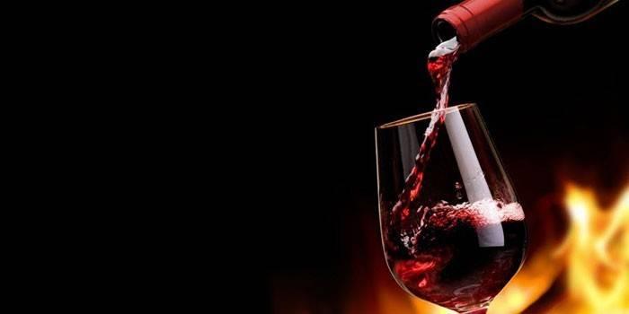 Алкоголь підвищує або знижує тиск - як впливають на це спиртні напої