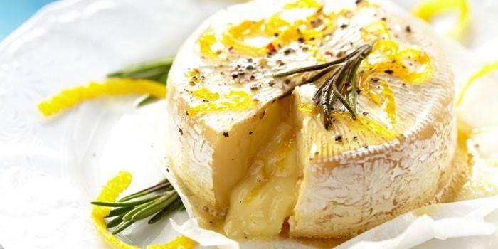 Сир камамбер - як правильно їсти і запах, чим відрізняється від брі і рецепти приготування страв з фото