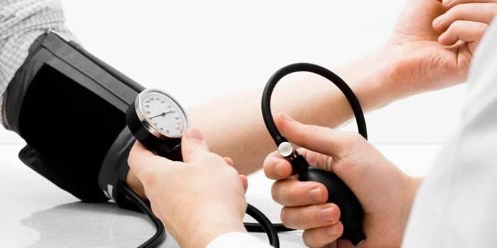 Тиск 150 на 80: причини і лікування