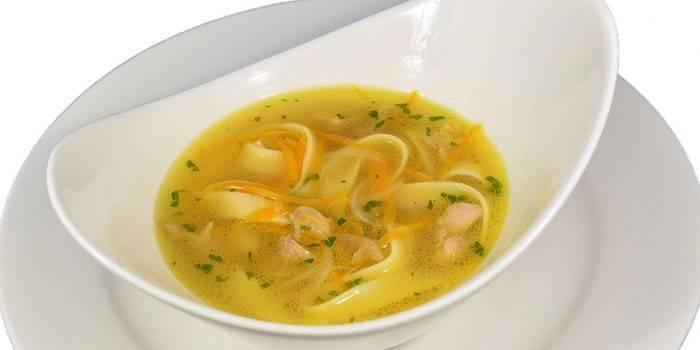 Суп з домашньою локшиною - популярні рецепти приготування гарячої страви з фото