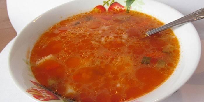 Розсольник з рисом - як смачно приготувати з солоними огірками за рецептами з фото