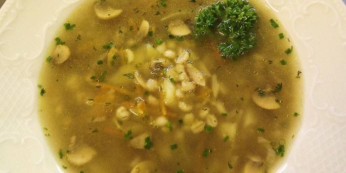 Суп з перловкою: покроково з фото
