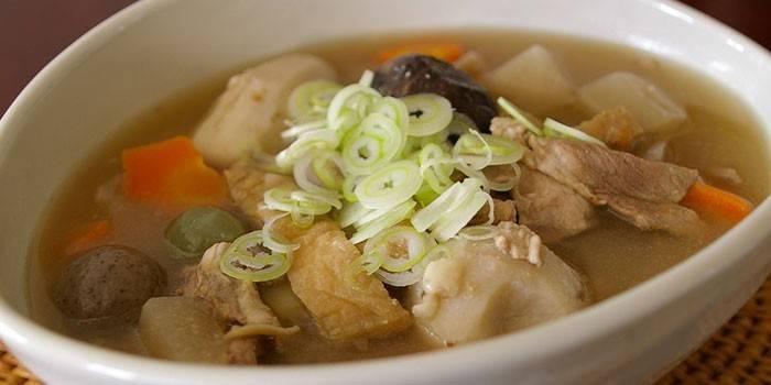 Суп зі свининою: приготування з фото