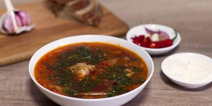Суп з свинини домашнього приготування
