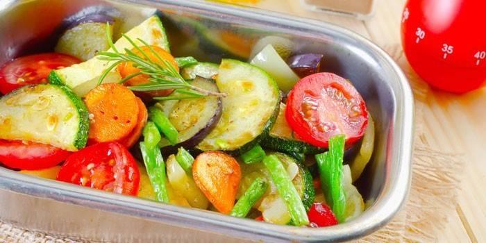 Запечені овочі в духовці: як смачно приготувати