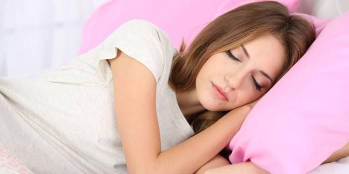 Пітливість ночами - причини у жінок при вагітності, як позбутися і лікувати