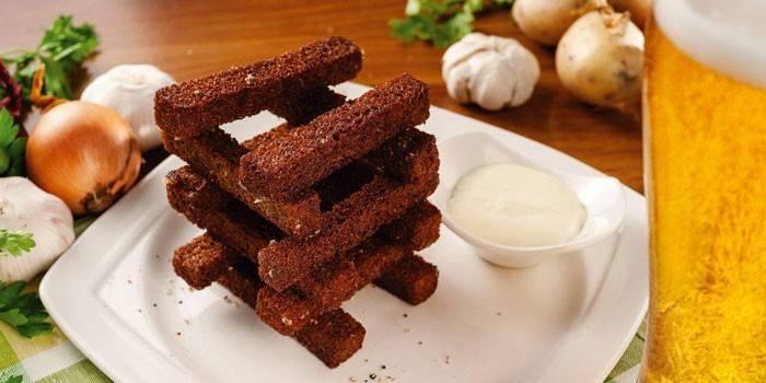 Грінки з часником - як приготувати в домашніх умовах з чорного або білого хліба за рецептами з фото