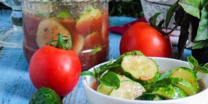 Салат з огірків по-грузинськи на зиму - з перцем, часником і томатами