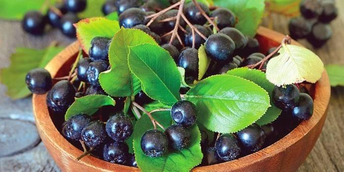 Домашнє вино з черноплодки - чорноплідної горобини