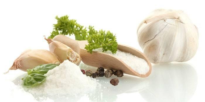 Настоянка на часнику - застосування для омолодження, довголіття, зміцнення судин і очищення організму