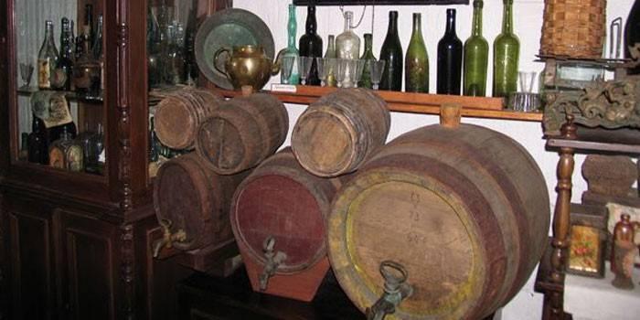 Як зберігати вино в льосі або квартирі - правильні умови, строки і спеціальне обладнання