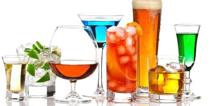 Аперитив - що це таке і як правильно вибрати спиртне, соки або коктейлі