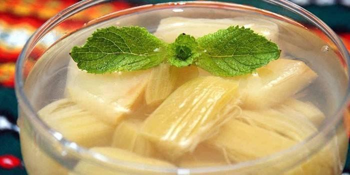 Компот із ревеню - рецепти приготування з яблуками, мандаринами, для дітей або на зиму