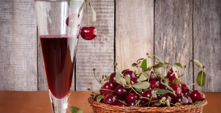 Лікер з вишні в домашніх умовах: прості і смачні рецепти