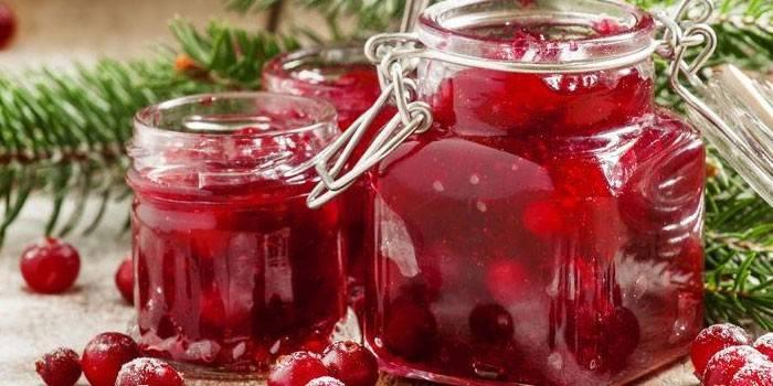 Журавлина з цукром на зиму: як приготувати ягоду