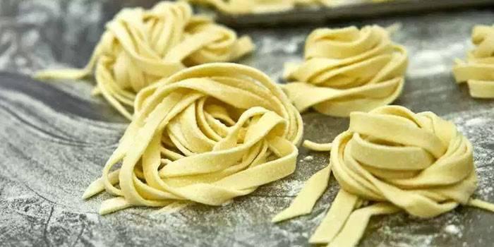 Тальятелле - що це і як готувати з вершковим соусом, сиром, грибами або морепродуктами