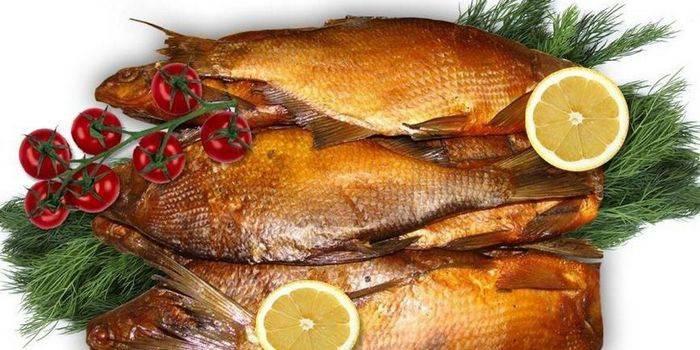 Як коптити рибу: рецепти і способи приготування копченої риби в домашніх умовах