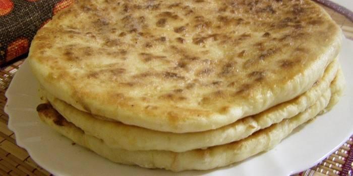 Хачапурі на сковороді - варіанти приготування страви зі смачною начинкою