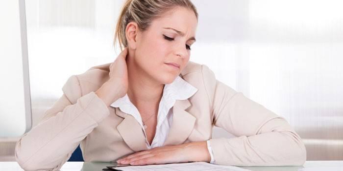 Ломить тіло без температури і слабкість - причини і лікування симптомів нездужання