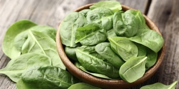 Корисні властивості шпинату і рецепти