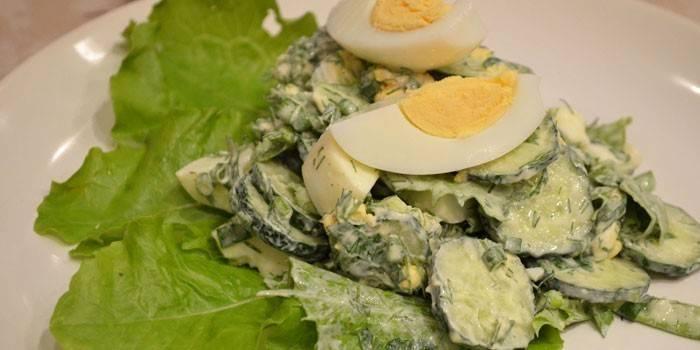 Салат зі свіжих огірків - популярні рецепти приготування з фото