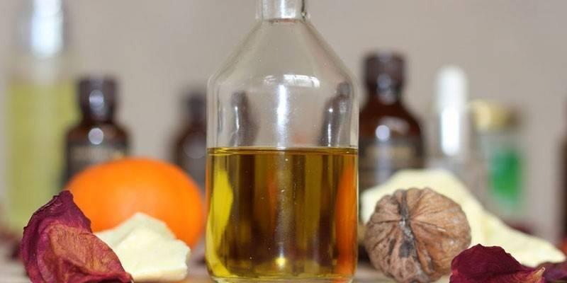 Ефірні масла для сухої шкіри - корисні властивості, застосування, відгуки