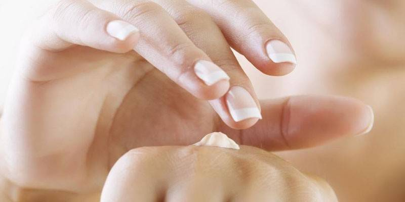 5 причин використовувати аптечні креми для рук - лікування, зволоження та живлення шкіри
