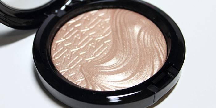 Що таке шімер - чим відрізняється від освітлення, бронзера і люминайзера: як користуватися косметикою з ефектом мерехтіння шкіри