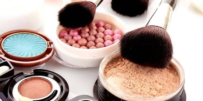 Декоративна косметика - набори і кращі бренди з цінами і відгуками