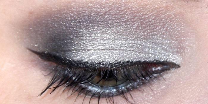 Кремоподібні тіні для повік - огляд кращих з цінами і відгуками, як вибрати і нанести на шкіру