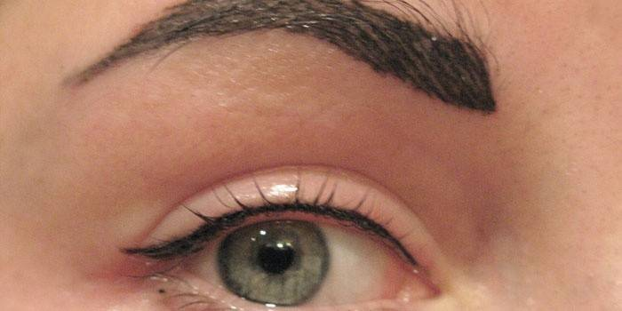 Межресничный татуаж очей - як роблять перманентний макіяж очей, скільки буде триматися, фото і відгуки