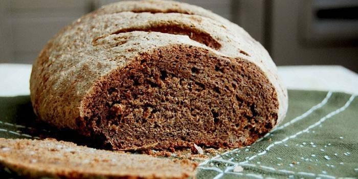 Дієтичний хліб при схудненні - види і рецепти з висівок, цільнозерновий, житній і вівсяного борошна